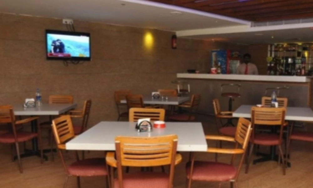 Kurangani,Theni Restaturants  comfortable food,with varites food in all in days veg & Non Veg foods,indian foods ,almost ready for some times-Rengha Holidays