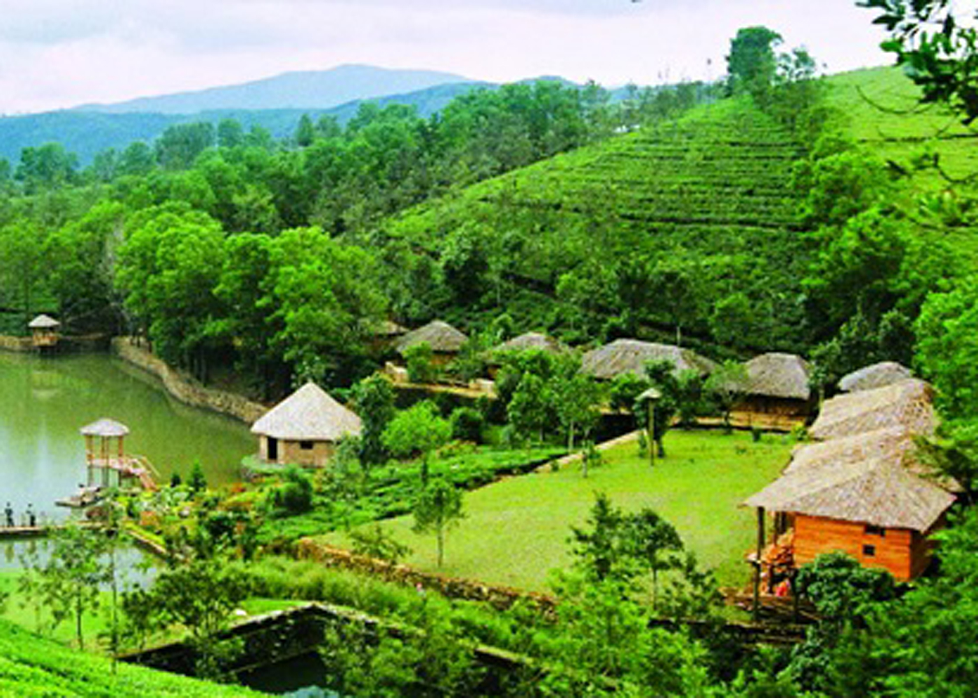 Kurangani,Thekkady.Pandikuzhi is a humble little village famous for its picturesque beauty. Its captivating natural landscape, the thrilling terrain, a pristine stream of water flowing through the val-RENGHA HOLIDAYS