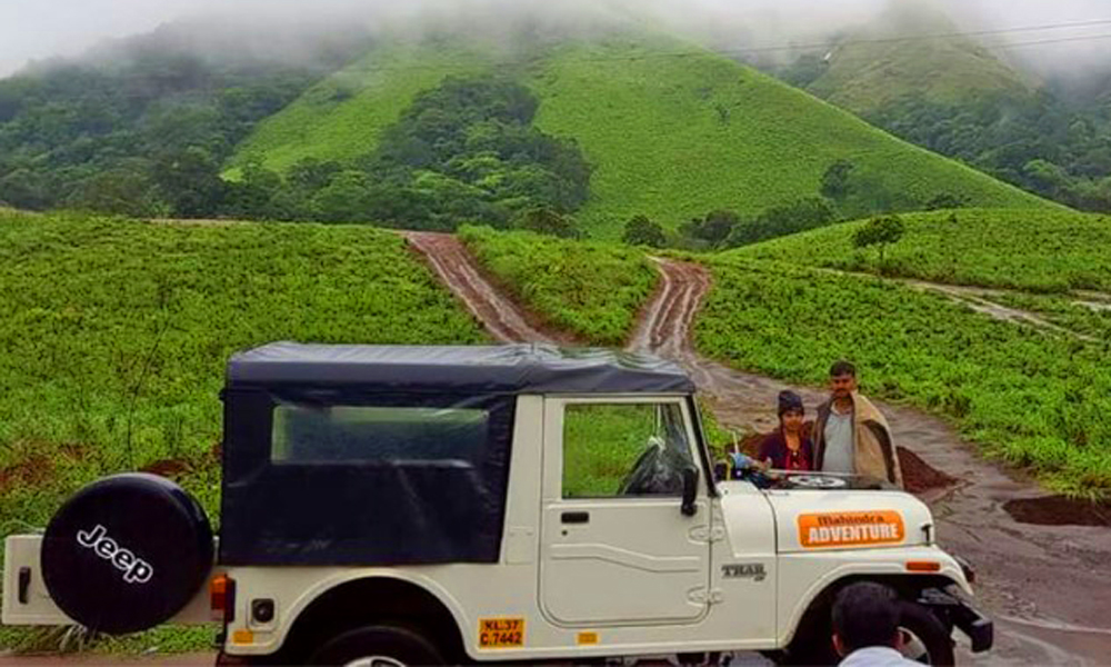 Kurangani,thekkady,Thekkady is an exceptionally gifted stretch of land when it comes the beauty of nature. Greenscapes follow you everywhere you go, and this Jeep Safari .-RENGHA HOLIDAYS