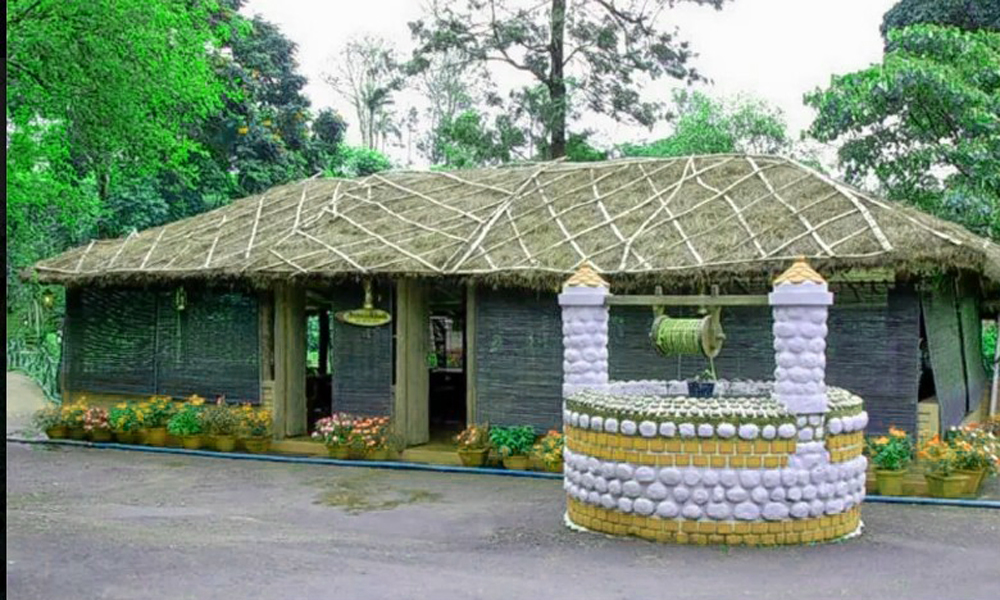 Kurangani.Thekkady .Tree House & Jacuzzi Villa At Carmelia Haven, Thekkady,A tree house, tree fort or treeshed is a platform or building constructed around, next to or among the trunk or branches of o-RENGHA HOLIDAYS