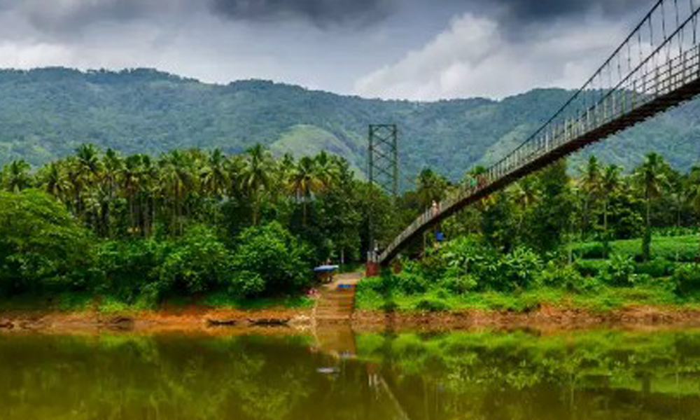 Kurangani ,Thekkady Even though the access town to Periyar National Park is Kumily (interchangeably used with Thekkady), the tourist flow is centered around the forest and nothing else. It is the sing-RENGHA HOLIDAYS