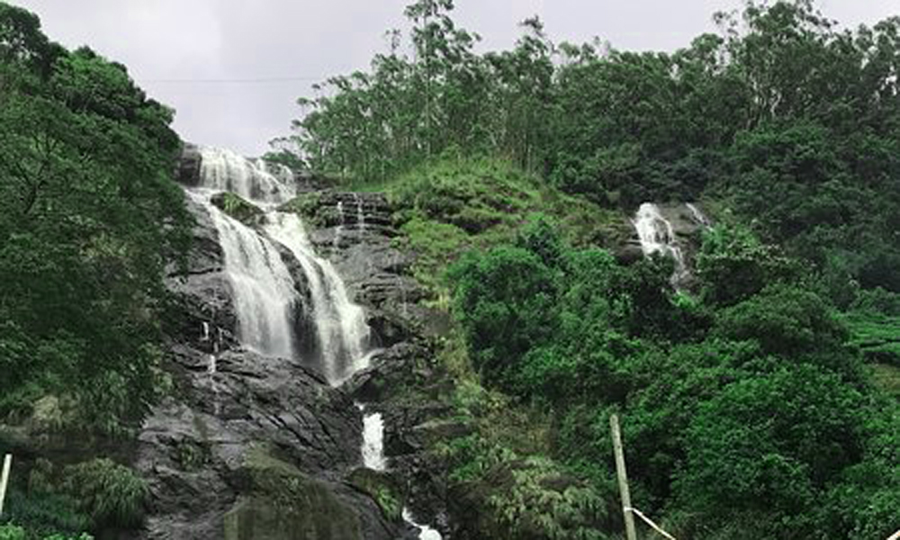Kurangani, MUNNAR Chinnakanal Waterfalls also known as powerhouse waterfall is a sight of sheer beautyThe waterfalls originate from Devikulam Hills and end in a natural pool The waterfalls originate f-RENGHA HOLIDAYS
