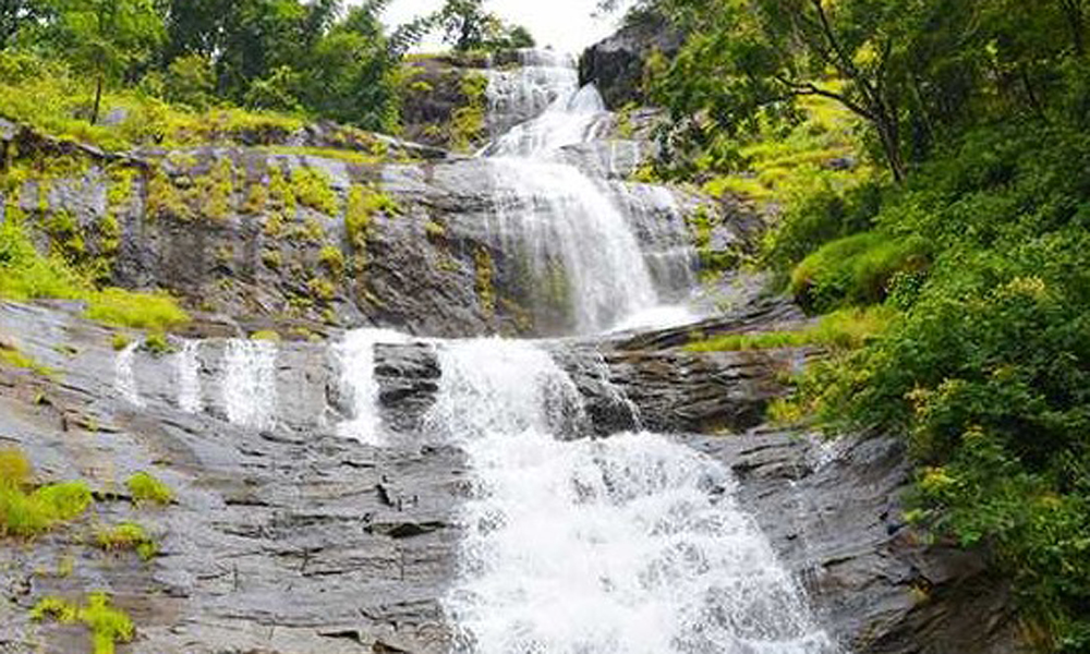 Kurangani.MUNNAR Cheeyappara Waterfalls the Cheeyarappa Falls is an on-the-way tourist attraction. It falls between Munnar and Kochi, in the district of Idukki, making it an active adventure and trekk-RENGHA HOLIDAYS