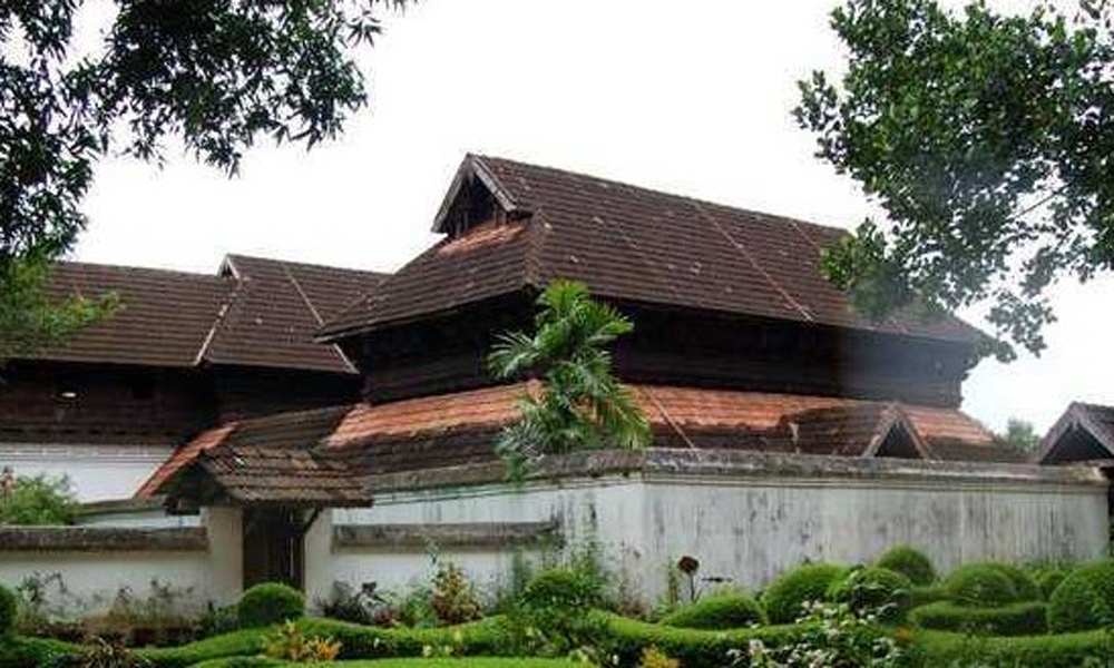 Kurangani ,MUNNAR.Krishnapuram PalaceThe Krishnapuram Palace is currently maintained by the Archaeological Department of Kerala and contains a variety of exhibits that once belonged to the Palace and -RENGHA HOLIDAYS